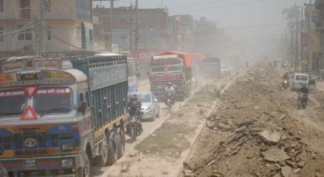 काठमाडौँबाट बाहिरिने सबै नाकाको सडकको अवस्था दर्दनाक, यात्रा असहज बन्ने खतरा