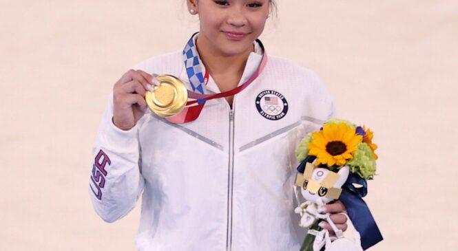 चीन पदक तालिकामा शीर्षस्थानमा फर्कियो